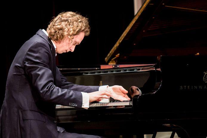Pianist Tobias Borsboom treedt komend weekend op tijdens Festival Via Musica in de Flevopolder.