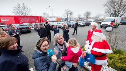 Joe verrast Lieselotte met Coca-Cola Kersttruck