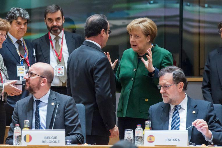 Premier Michel en Mariano Rajoy nog broederlijk naast elkaar op de Europese top van maart dit jaar.