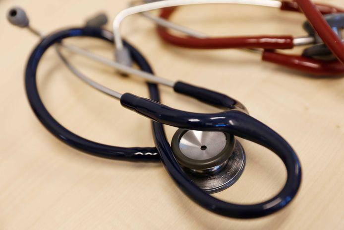 Huisartsen in de regio roeren de trom over geestelijke gezondheidszorg voor de jeugd. De wachtlijsten zijn veel te lang, zeggen zij.