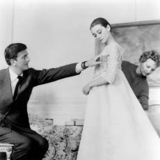 hubert-de-givenchy-(1927-2018)-kon-romantiek-verwerken-in-zijn-outfits