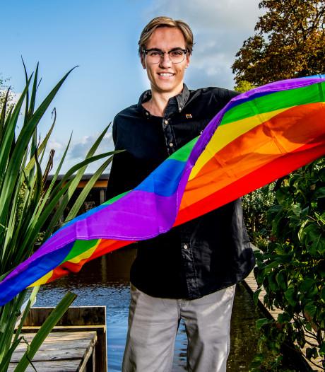 Nieuwkoop overweegt hijsen regenboogvlag