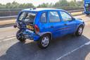 Drie auto's botsen op elkaar op de Rochadeweg in Helmond.