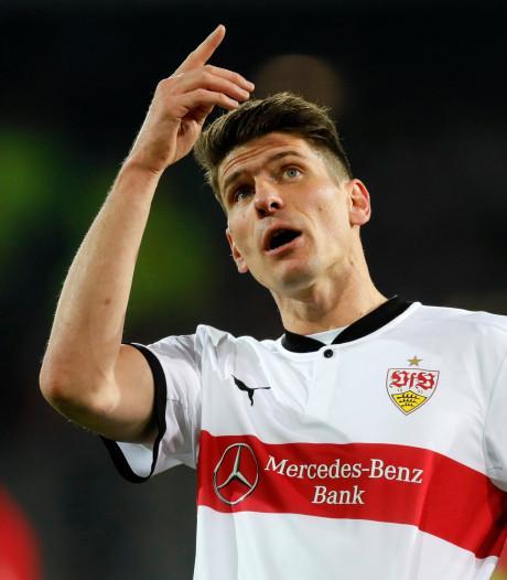 Gómez leidt Stuttgart langs Freiburg