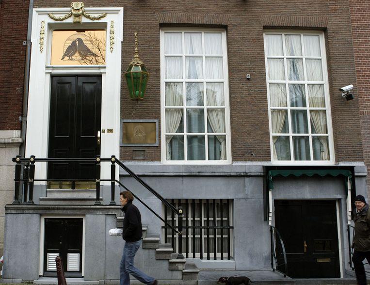 Het Openbaar Ministerie legde strafrechtelijk beslag op de panden van het gesloten bordeel Yab Yum in het centrum van Amsterdam. Foto ANP Beeld