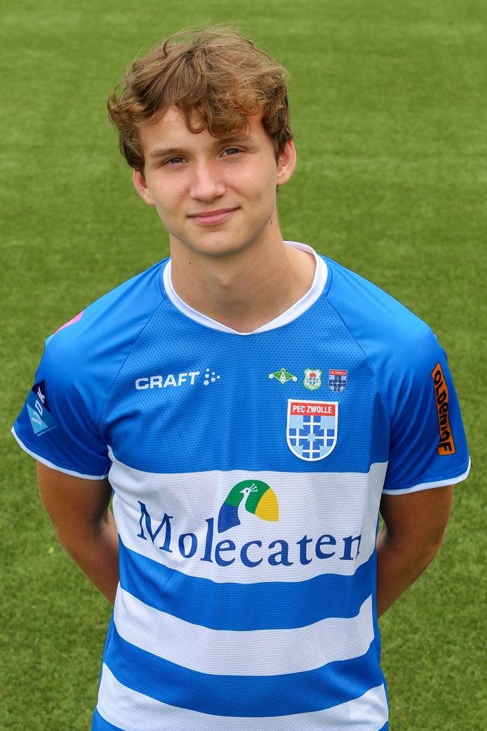 Rav van den Berg is inmiddels tweevoudig jeugdinternational.