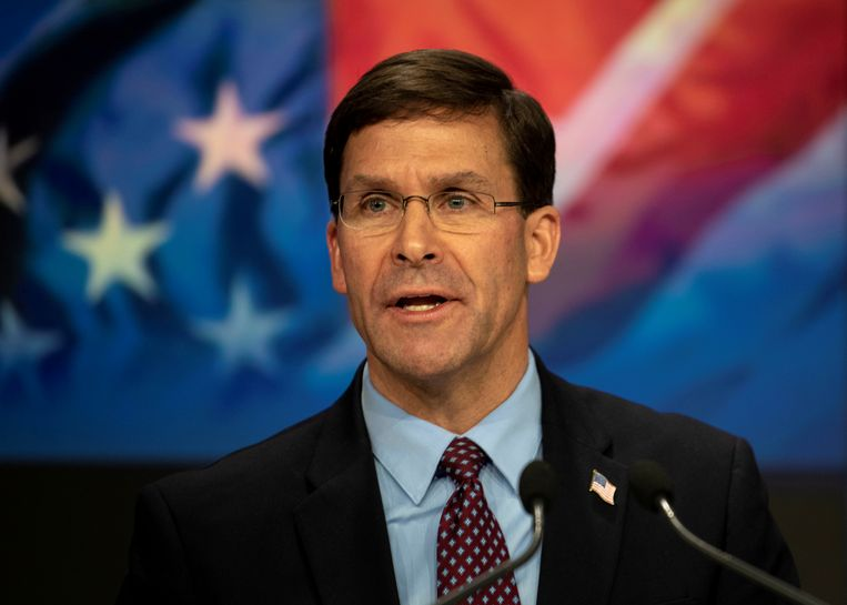 De Amerikaanse minister van Defensie Mark Esper heeft de strijdkrachten inmiddels opgedragen om de veiligheid van de militaire bases in zijn land te herzien.