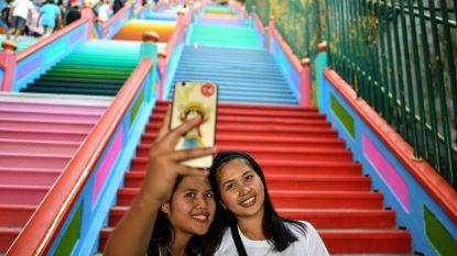 Beschermde trappen van Hindoeïstische tempel krijgen vrolijk (maar illegaal) likje verf
