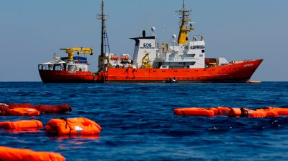 """""""Ongeval met rubberboot kost wellicht aan 117 migranten het leven"""""""