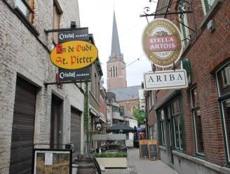Politie betrapt gezelschap in gesloten café: zes mensen beboet