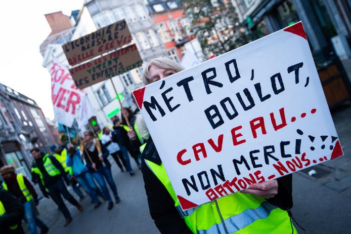Manifestation des gilets jaunes à Namur pour fêter le 1er anniversaire du mouvement