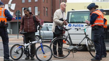 """Controle op fietsverlichting:  """"10 pv's en 16 brieven naar ouders"""""""