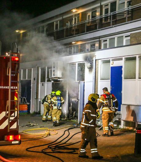 Stapel natte was vloog vanzelf in brand: grote schade in Zwijndrechtse schoonheidssalon