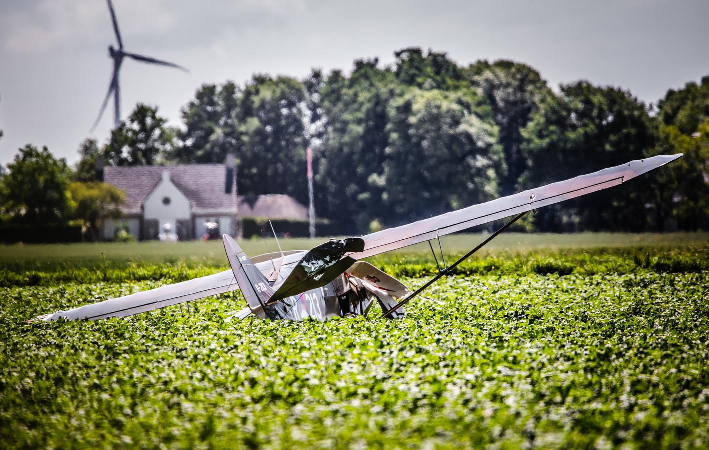 Vliegtuigcrash Willemstad botsing met twee sportvliegtuigen