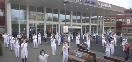 Nieuws gemist? Dansende zorgmedewerkers in Harderwijk en feest voor 'Busje komt zo'. Dit en meer in jouw overzicht