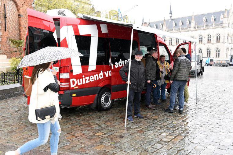 Het Meldpunt 1777 komt naar burgers toe met dit busje.