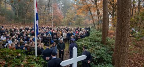 Verzetsstrijders en Marietje herdacht bij het Kruis op de Berg