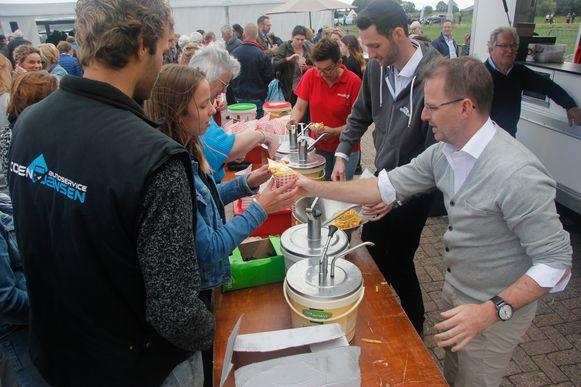 Bezoekers werden getrakteerd op gratis frietjes