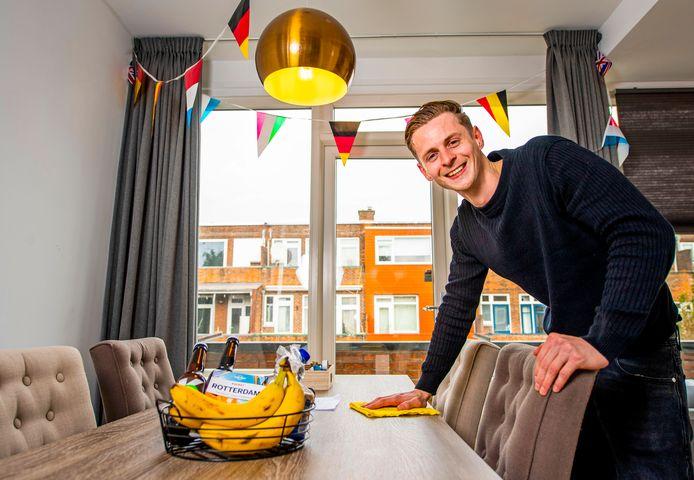 De 28-jarige oprichter Michiel de Vos van het bedrijf Rotterdam Host BnB regelt alles voor de verhuur van je woning.