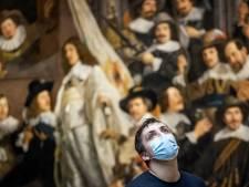 Morgen gaat nieuwe wet in: 'Zonder mondkapje voel je je straks echt bekeken'