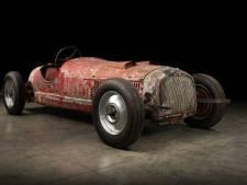 Racewagen van 'coureur' Mussolini teruggevonden in Noord-Afrika