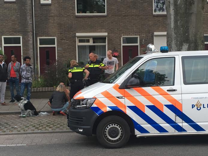 De politie was snel ter plaatse op de Van 't Santstraat in Nijmegen.