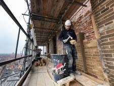 Restauratie van Bovenkerk in Kampen verloopt vlot, maar toren staat nog een jaar in de steigers