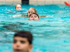 Hilversums zwembad vraagt overheid toestemming voor zwemlessen