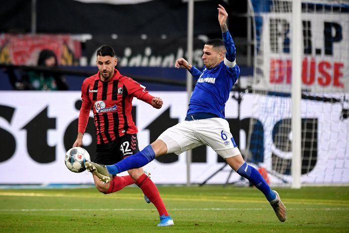 Omar Mascarell (rechts) in actie tegen Freiburg eerder dit seizoen.