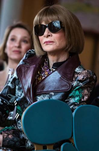 Zou de 71-jarige modediva Anna Wintour niet eens weggaan bij Vogue? Nee hoor, ze wordt juist nog machtiger