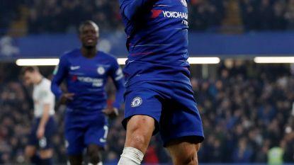 Chelsea na goal Hazard en penalty's naar finale
