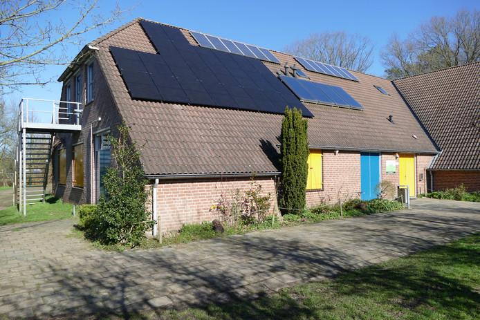 Extra zonnepanelen op het gebouw Wickiup, maken het voor Scouting Boxtel een duurzaam gebouw.