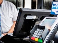 Cash betalen in de bus kan vanaf zondag niet meer