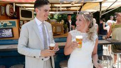 IN BEELD. Wout van Aert is getrouwd! Wereldkampioen geeft 'zijn' Sarah het jawoord