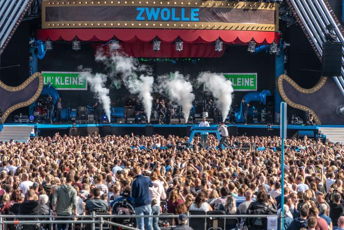 Lil Kleine tijdens zijn optreden in Zwolle.