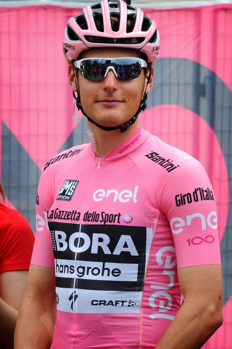 Lukas Pöstlberger in de roze trui.