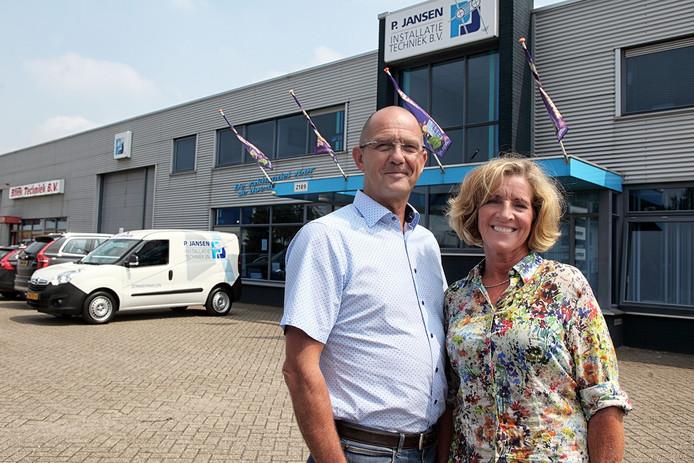 Piet en Ida Jansen voor hun huidige pand