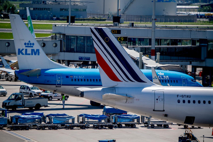 Vliegtuigen van Air France en KLM op luchthaven Schiphol.