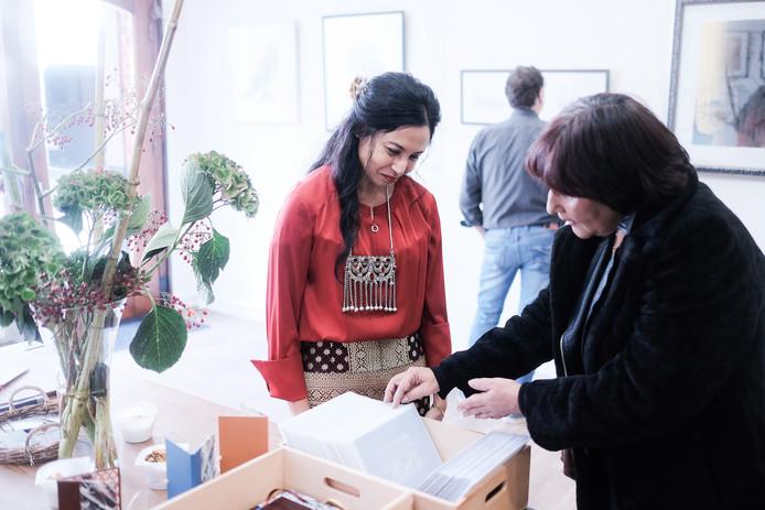 Vala Nagamuthu in haar nieuwe galerie in Terborg.