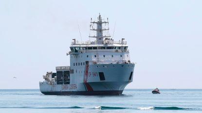 """Italië laat schip met migranten aanmeren in Sicilië, maar wil verdeling van opvarenden: """"Nu moet Europa snel haar rol spelen"""""""