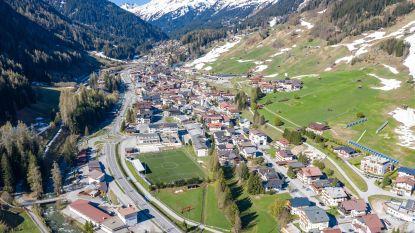 Oostenrijk gaat toeristen niet op eigen houtje weer toelaten, uitbater après-ski bar in Ischgl slaat mea culpa