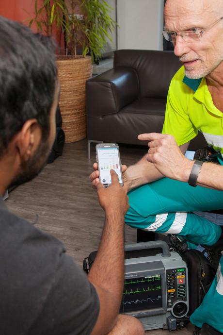 Ambulancebroeder 'spreekt' dankzij nieuwe app straks vloeiend Arabisch