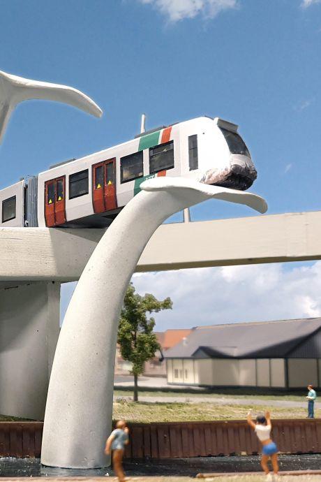 Nieuwe bezienswaardigheid in Miniworld: walvisstaart met metrostel vereeuwigd