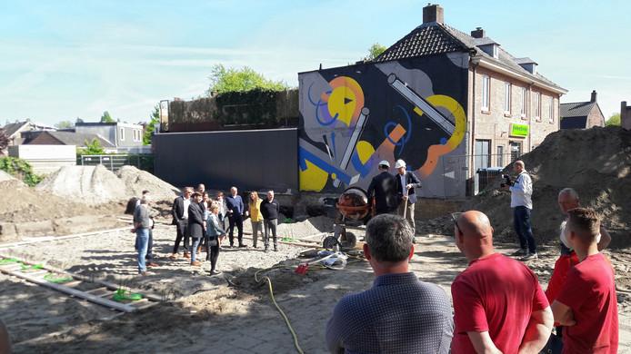 De start van de nieuwbouw van een appartementencomplex in de Driesprong in Breda.