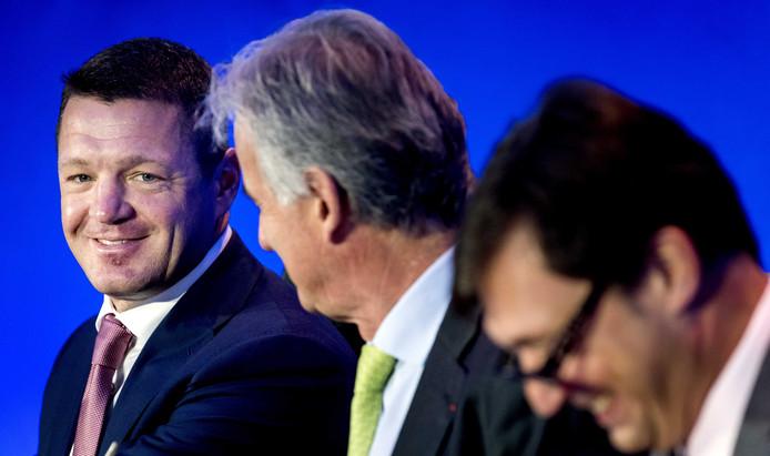 Pieter Elbers (links): mag hij blijven als topman van KLM?