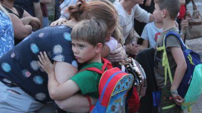 """Kinderen weer thuis na ongeval met bus in Nederland: """"Ontzettend opgelucht"""""""