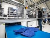 Auping vol continue aan de slag met  productie mondkapjes: twee extra machines en meer mensen aan werk