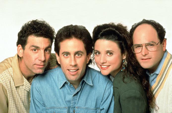 Michael Richards (Kramer), Jerry Seinfeld (Jerry Seinfeld), Julia Louis-Dreyfus (Elaine) et Jason Alexander (George).