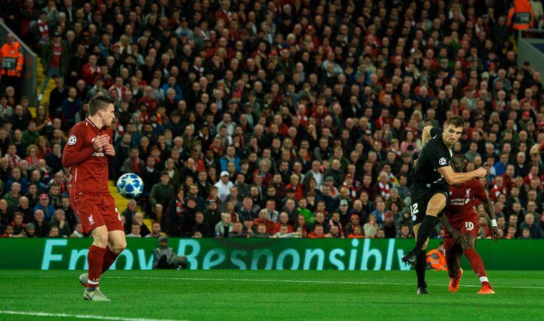 Meunier met de 2-1 op Anfield. PSG zou uiteindelijk met 3-2 de boot ingaan.