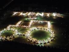 Honderden trekkers maken statement met lichtshow: 'Iedereen heeft de boeren hard nodig'